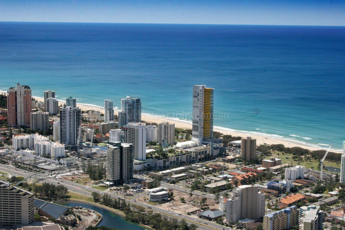 how to get from gold coast airport to jupiters casino