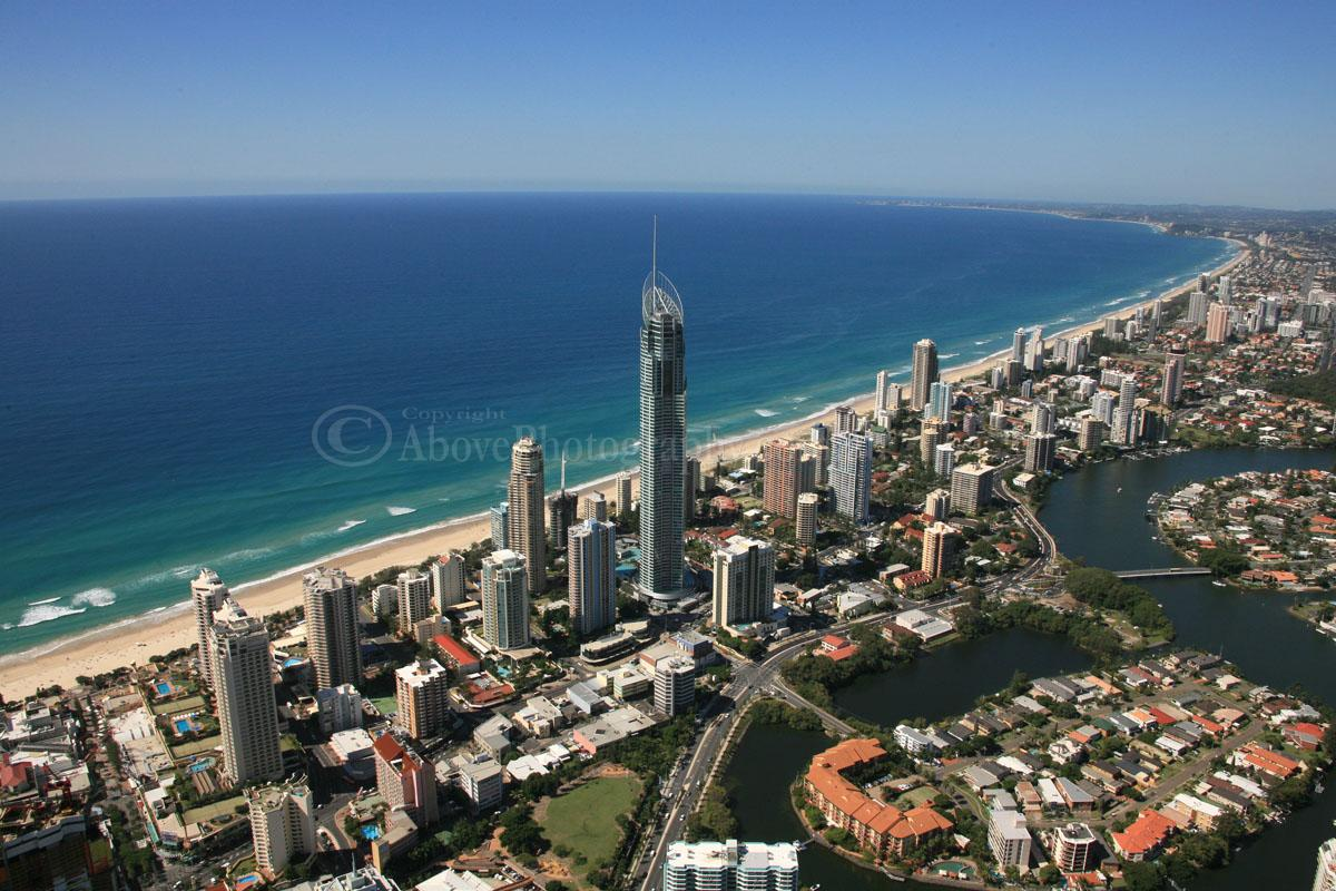 how to get from gold coast airport to ballina