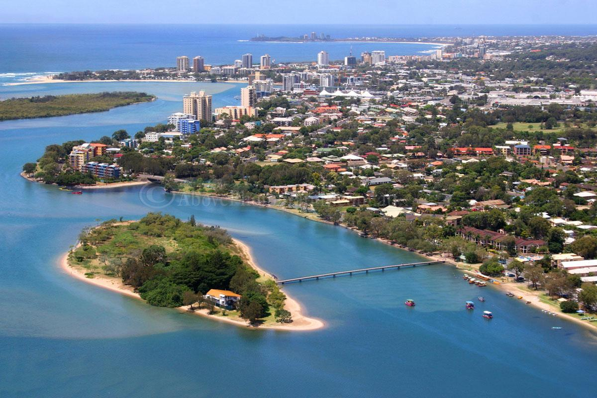 how to get from maroochydore to gold coast